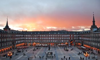 No deje de visitar la Plaza Mayor en Madrid