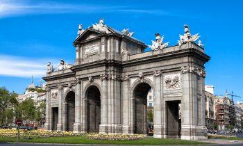 Turismo en las Puertas de Alcalá